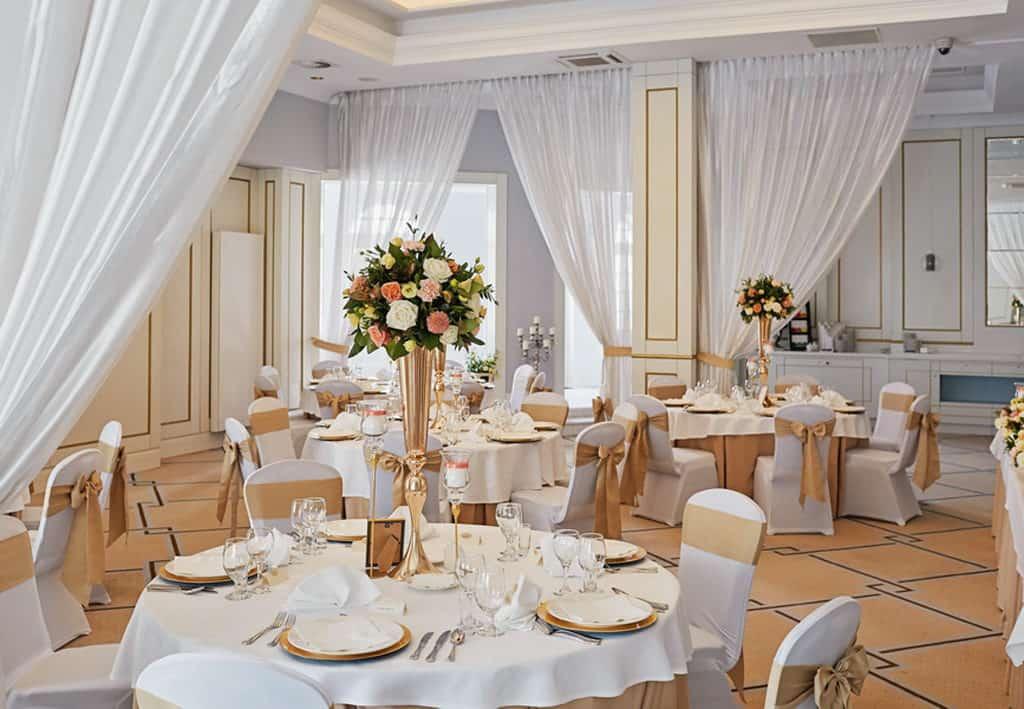 Ślub cywilny w plenerze oraz wesele w Pałacu Romantycznym. 008 romantyczny 7