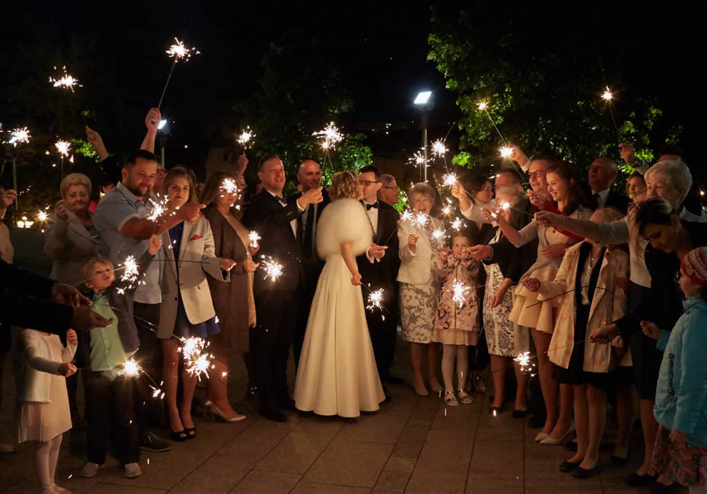 Majówkowy ślub i przyjęcie weselne w sercu miasta. 017 maestra 15