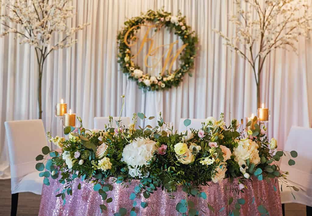 Majówkowy ślub i przyjęcie weselne w sercu miasta. 022 maestra 20
