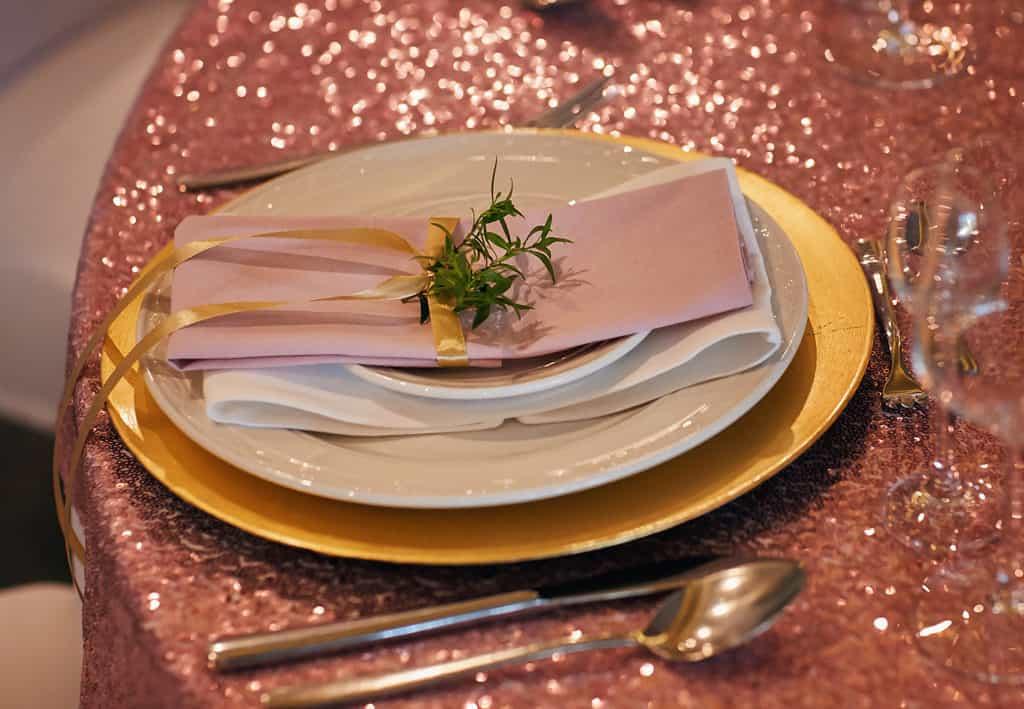 Majówkowy ślub i przyjęcie weselne w sercu miasta. 028 maestra 26