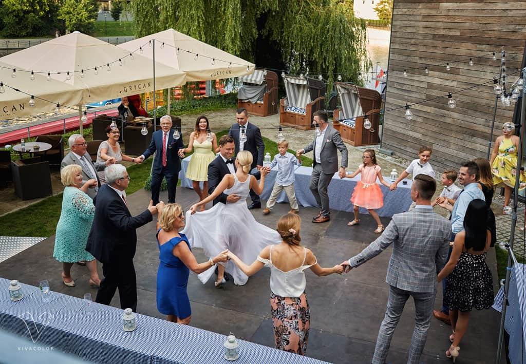 Eleganckie wesele z motywem marynistycznym. marina028 27