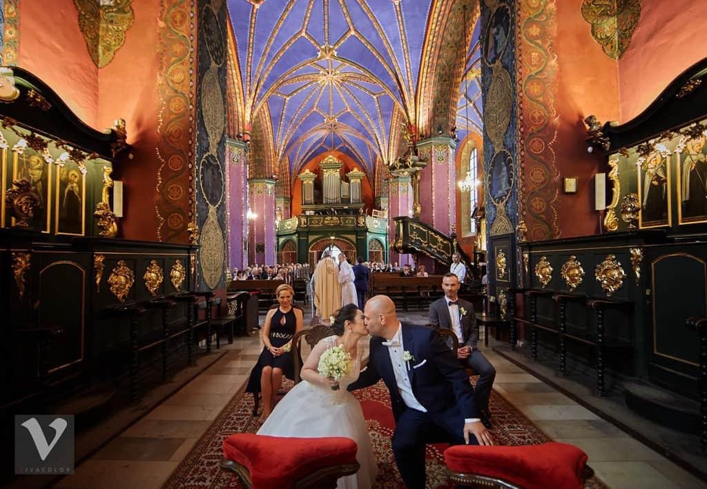 Ślub w Bydgoskiej Farze, uroczystość w kolorach Tiffany Blue na weselu w Słonecznym Młynie. 009s onecznym yn 9