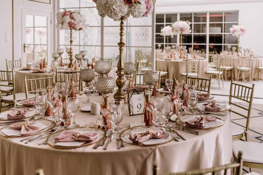 Plenerowy ślub kościelny w Pałacu Romantycznym 011 romantycznylavinci 14