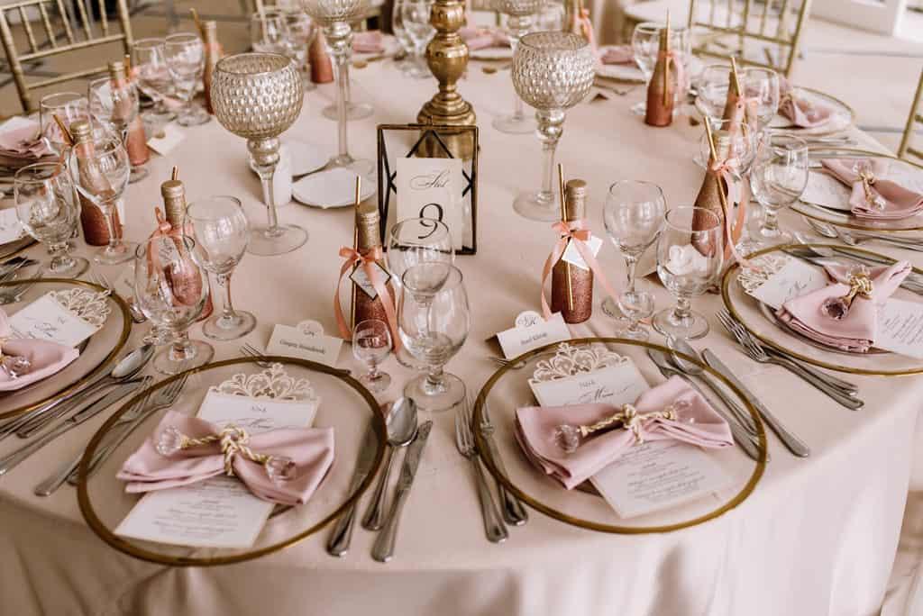 Plenerowy ślub kościelny w Pałacu Romantycznym 012 romantycznylavinci 15