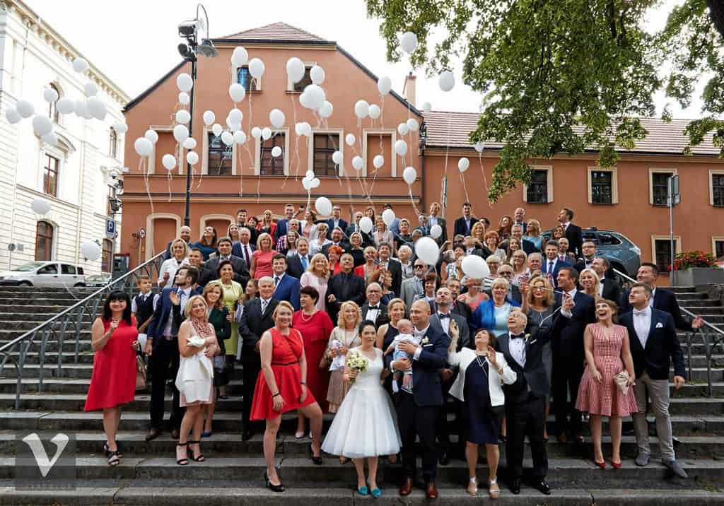 Ślub w Bydgoskiej Farze, uroczystość w kolorach Tiffany Blue na weselu w Słonecznym Młynie. 013s onecznym yn 13
