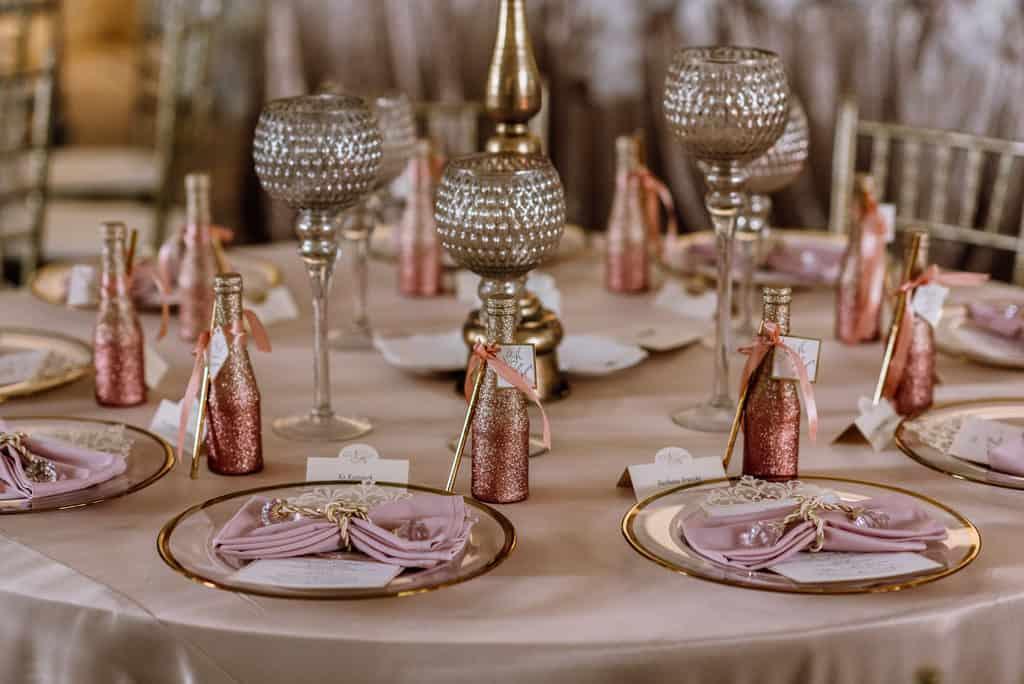 Plenerowy ślub kościelny w Pałacu Romantycznym 014 romantycznylavinci 17