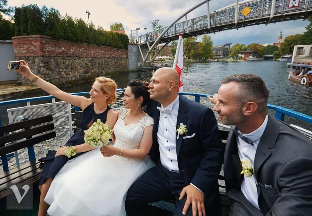 Ślub w Bydgoskiej Farze, uroczystość w kolorach Tiffany Blue na weselu w Słonecznym Młynie. 014s onecznym yn 14