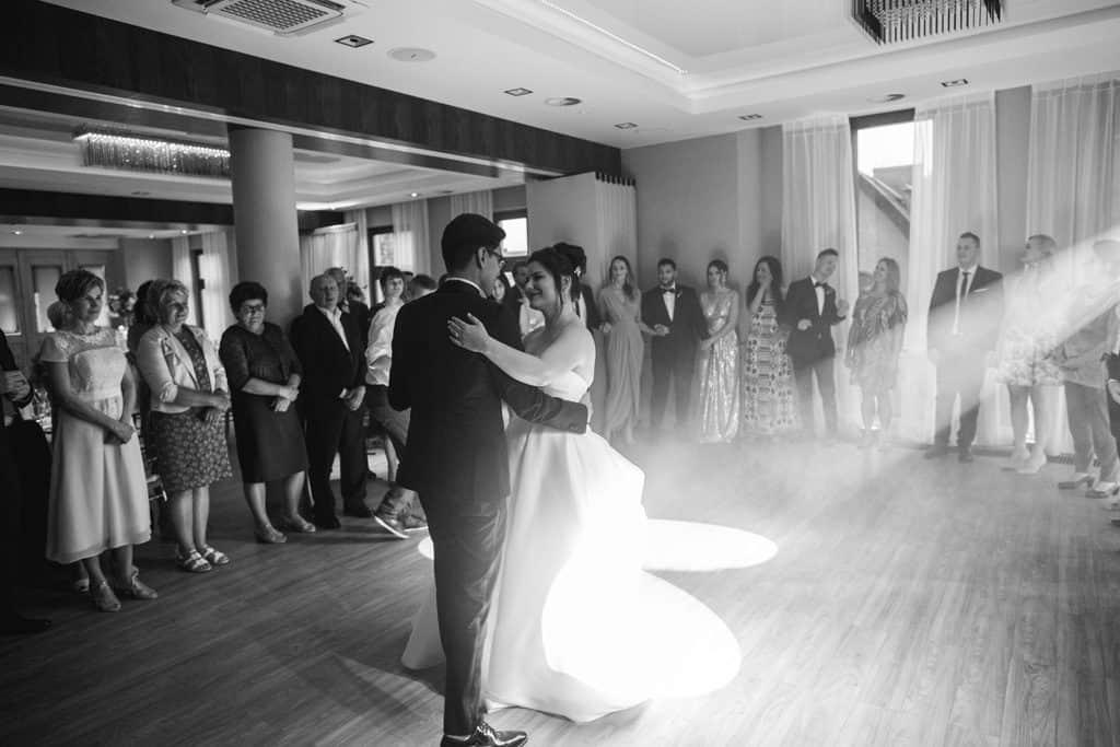 Międzynarodowy ślub i przyjęcie weselne w Sali Waniliowej u Sowy 018salawaniliowa 18