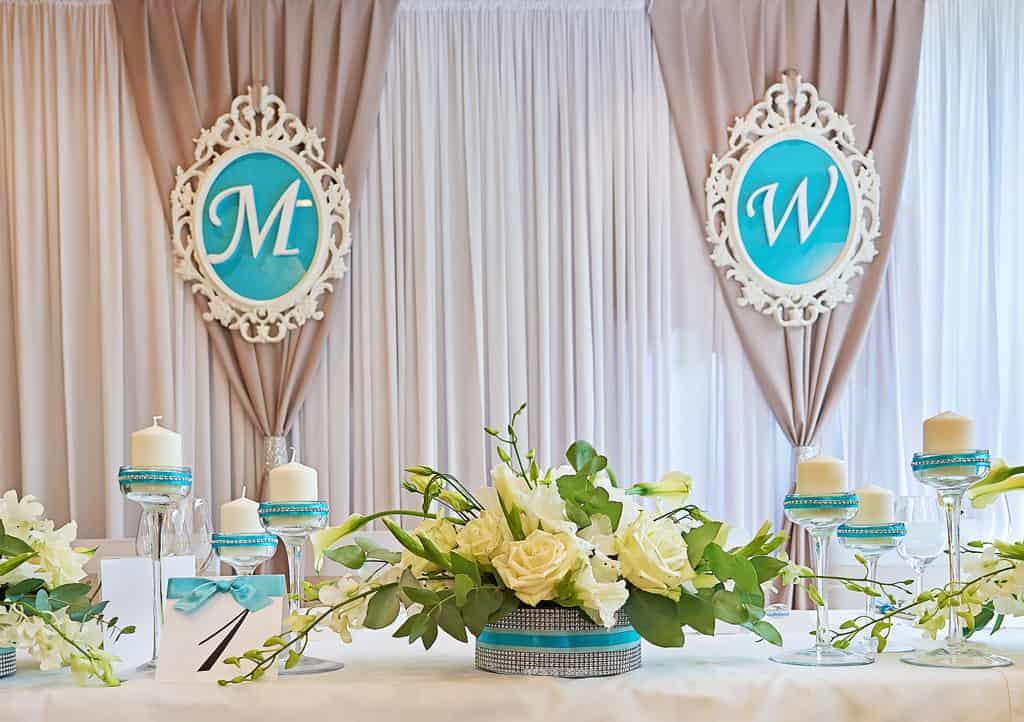 Ślub w Bydgoskiej Farze, uroczystość w kolorach Tiffany Blue na weselu w Słonecznym Młynie. 020s onecznym yn 20