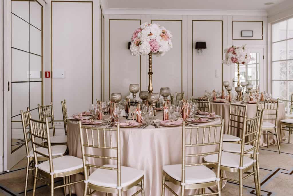 Plenerowy ślub kościelny w Pałacu Romantycznym 023 romantycznylavinci 26