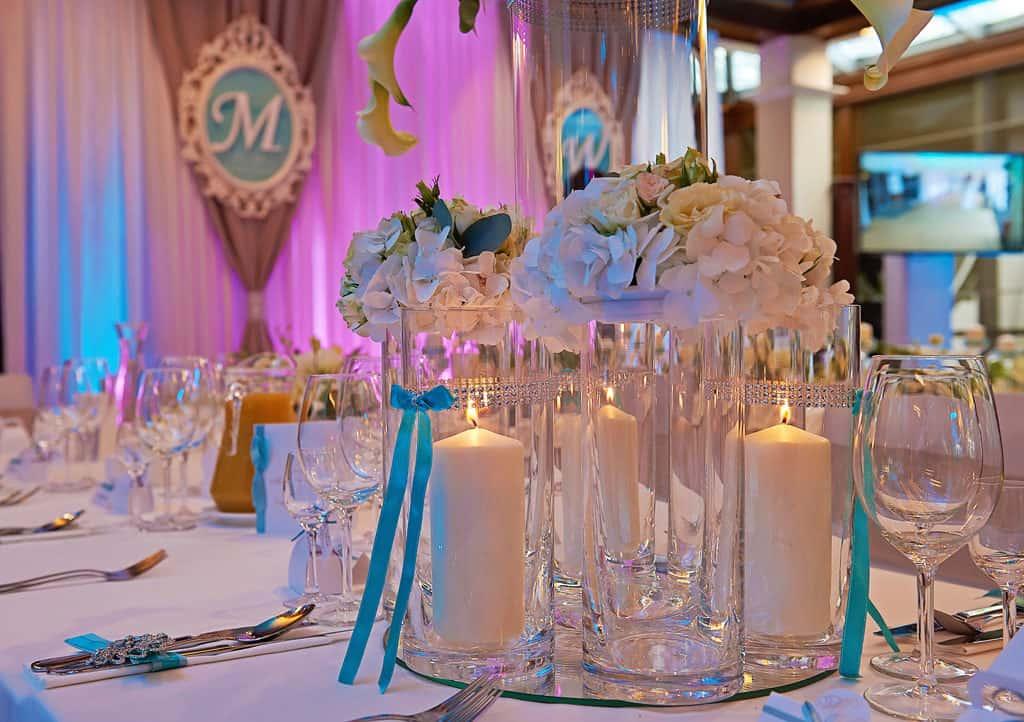 Ślub w Bydgoskiej Farze, uroczystość w kolorach Tiffany Blue na weselu w Słonecznym Młynie. 023s onecznym yn 23