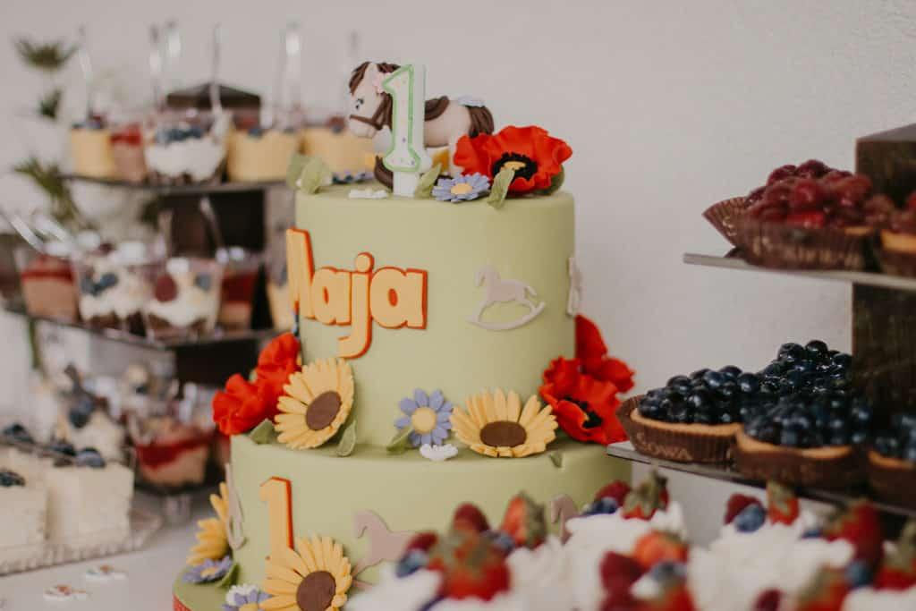 Organizacja urodzin dla małej Mai w ogrodzie 061 maja 21