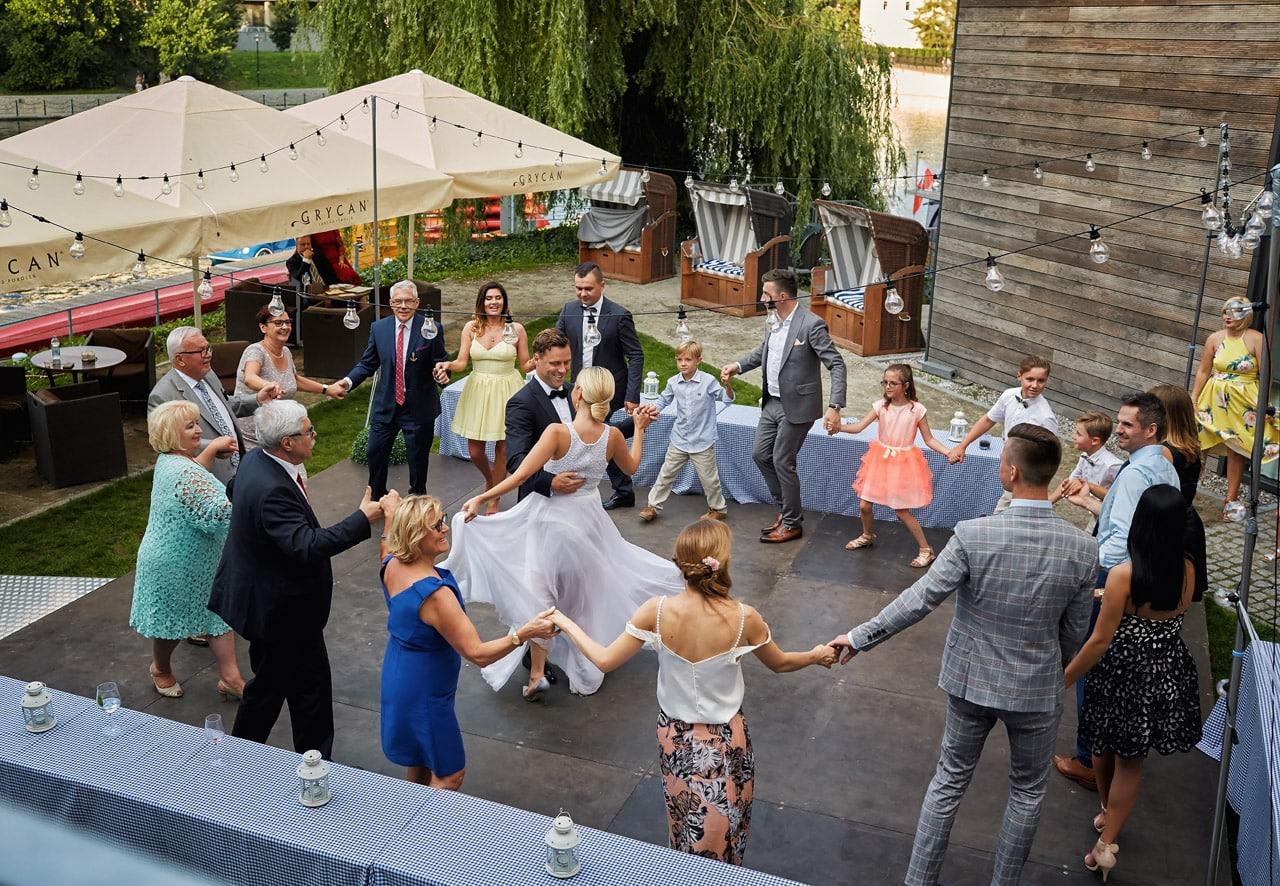 Jak zorganizować wesele w ogrodzie? 041 wesele w ogrodzie 16
