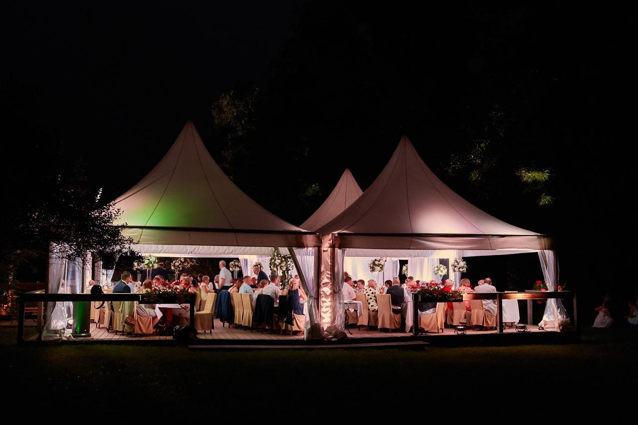 Jak zorganizować wesele w ogrodzie? 048 wesele w ogrodzie 23